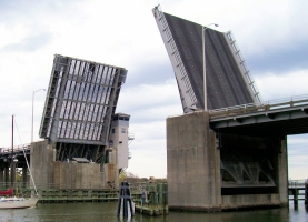 Wapoo creek bascule bridge