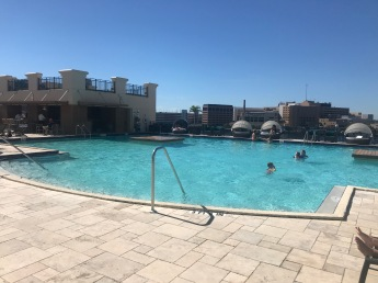 Tampa Marriott-rooftop pool